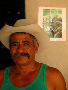 Maestro Mezcalillero Gregorio Hernández. La Compañía, Ejutla, Oaxaca